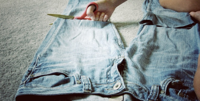 Cutting Jeans